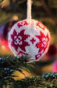 knitting mistakes - happy holidays