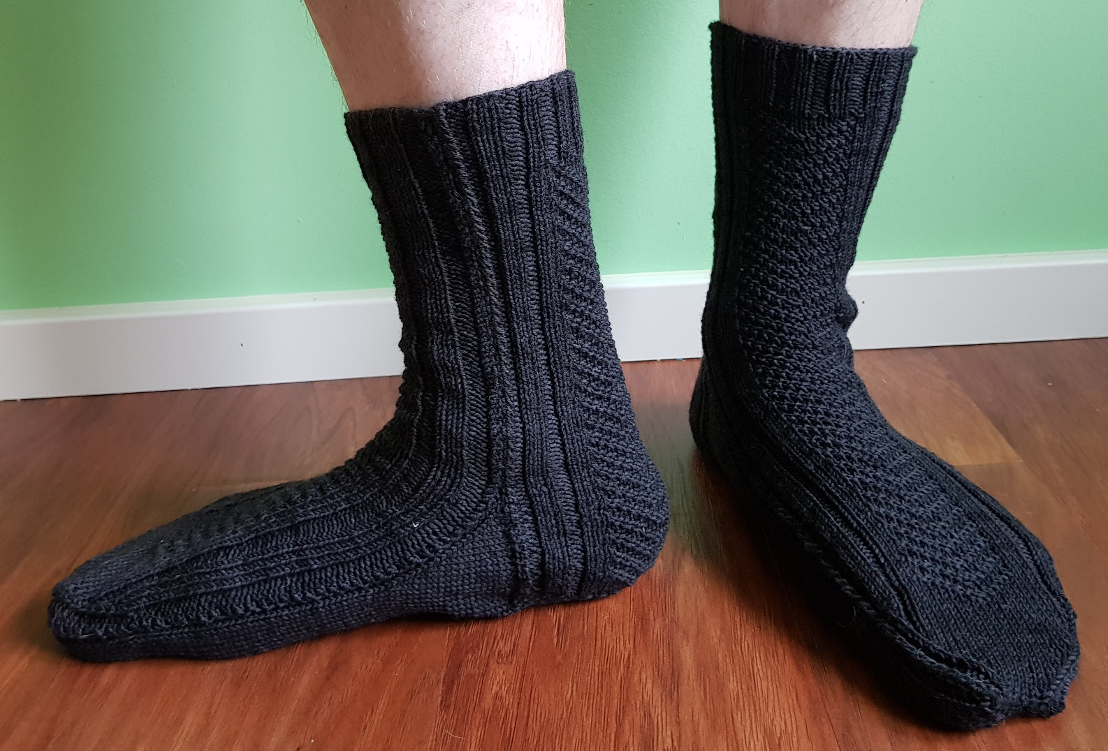 V-Formation free sock knitting pattern by Nadja Senoucci