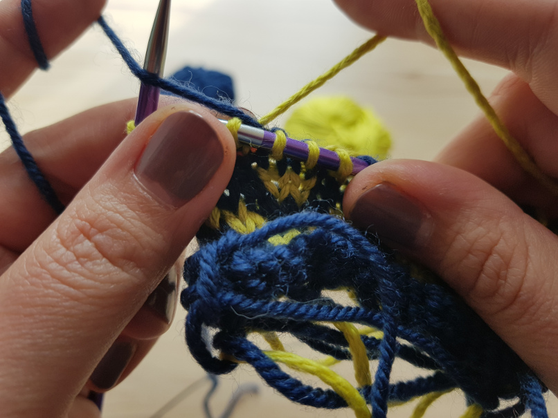 yarn tension - Spreading out the stitches