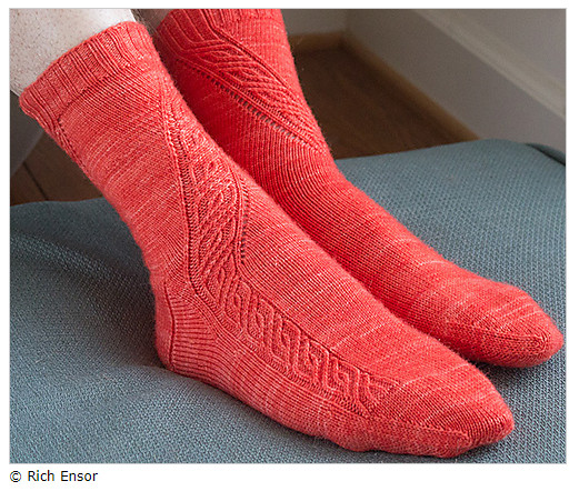 Second Sock Syndrome - A pretty example for a mirrored design: Angular Velocity by Rich Ensor